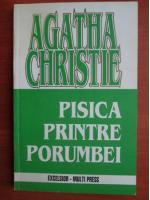 Agatha Christie - Pisica printre porumbei