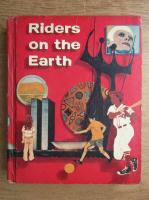 Anticariat: Bernard J. Weiss, Lyman C. Hunt - Riders on the Earth