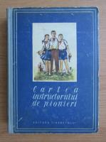 Cartea instructorului de pionieri